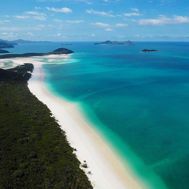 Aerial photo of Whitehaven looking north towards Hill Inlet. This is the stretch Steve and I walked. Again, not my photo.