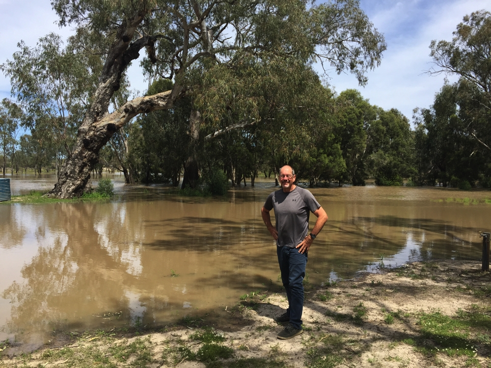 Steve checking out the flood waters. Barwon River, Mungindi