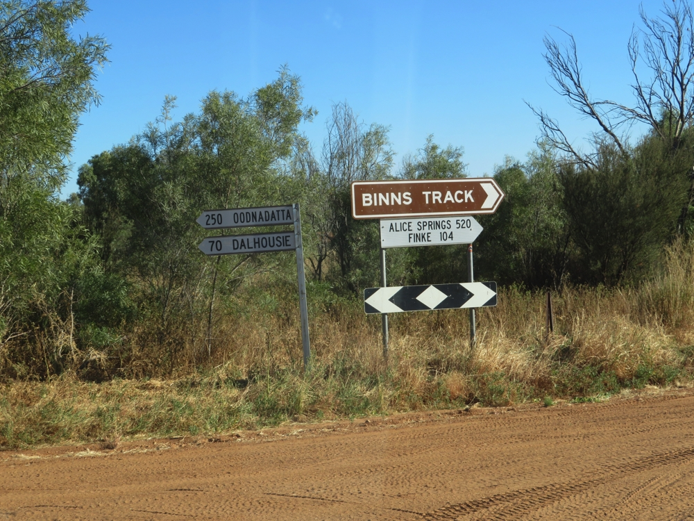 The t-junction leaving Mt Dare - on our way to Finke.