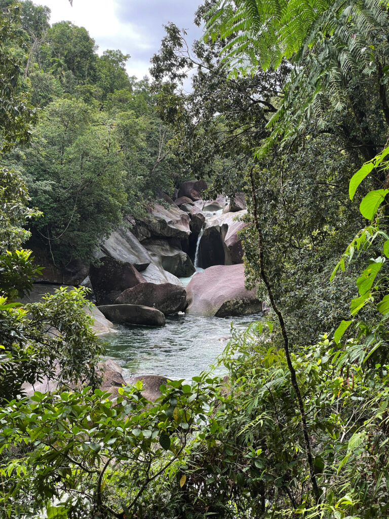 This image has an empty alt attribute; its file name is 05_01_Babinda_boulders2-768x1024.jpg